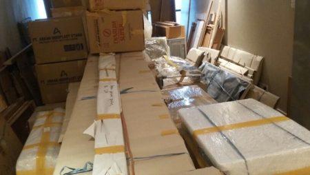 Pengepakan Barang-barang dan Furniture Customer